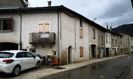 Nouvelle vente de maison de village à St Étienne de Crossey