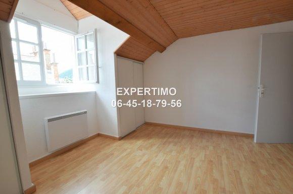 Appartement T4 plein centre à VOIRON