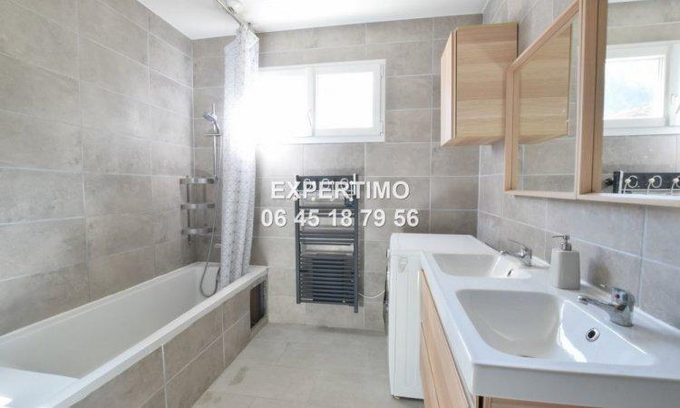 Maison sur sous-sol avec 3 chambres, atelier, garage, et grand terrain à St Joseph de Rivière à 20 min de Voiron